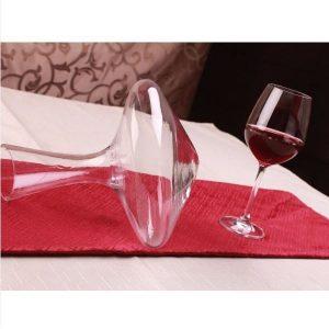 Carafe à décanter le vin, vue d'ensemble
