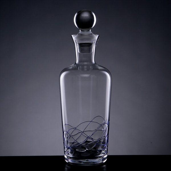 carafe à vin avec bouchon en verre