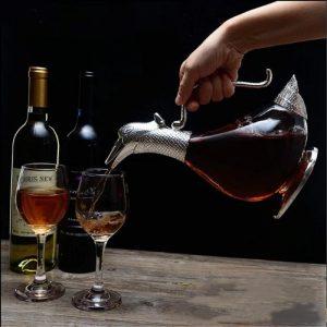 Carafe à vin ancienne, à anse
