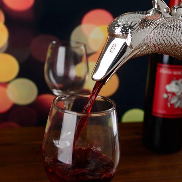 Carafe à vin ancienne, avec bec verseur de précision