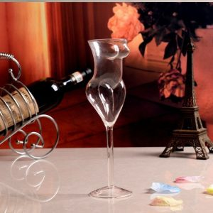 Superbe verre à vin original, corps de femme