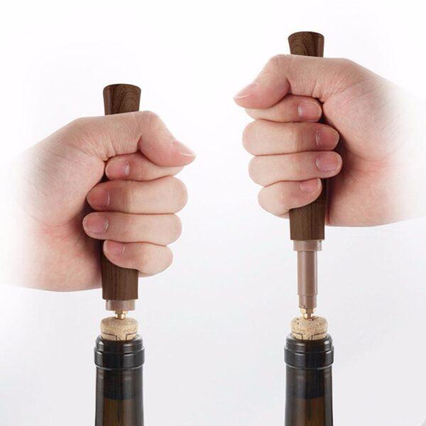 Tire bouchon avec aiguille