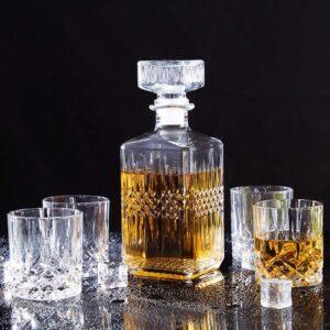 carafe et verre à whisky