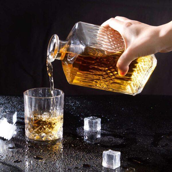 Ensemble de carafe et verre à whisky
