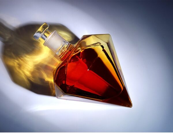 Superbe carafe whisky diamant