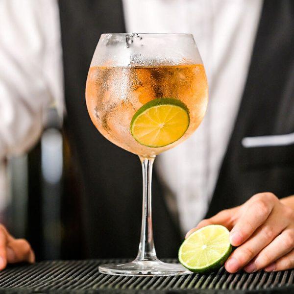 Verre gin tonic forme originale