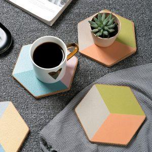 Dessous de verre hexagonal coloré