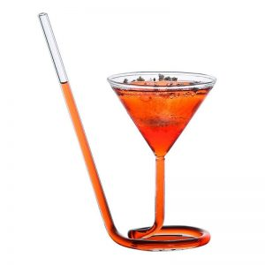 Verre à cocktail avec paille